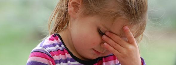 Het verminderen van hoofdpijn en nekpijn bij kinderen
